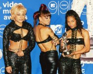 tlc-outside-of-grammy-s-tlc-music-8957310-350-282