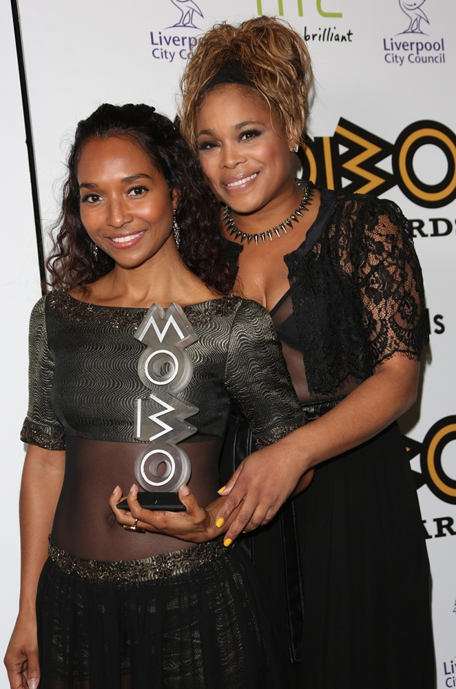 tlc-mobo-awards-2012-press-room-01